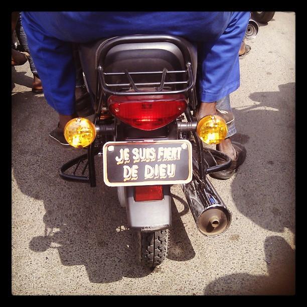 Zém (Taxi-moto au Bénin)